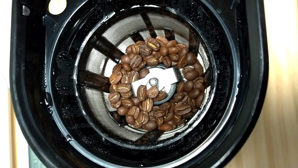 シロカ SC-A221 コーヒー豆投入後